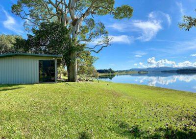 the shack tinaroo holiday accommodation